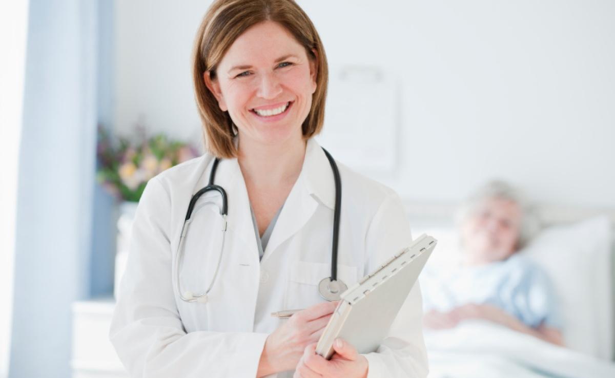 lachende Human Medizinerin